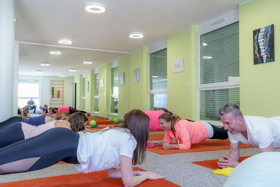 Physiotherapie Schorndorf - Oussama Kabbara - Reha-Sport in der Gruppe